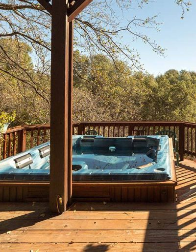 Spa Tub at Appel Blossom | Yosemite,CA | Apple Blossom