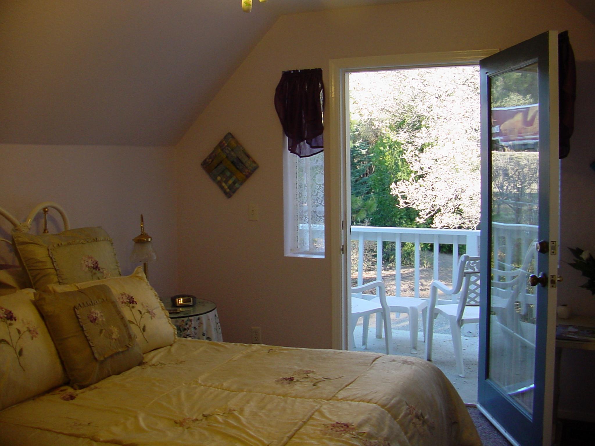Apple Blossom Inn Rooms | Yosemite,CA | Apple Blossom